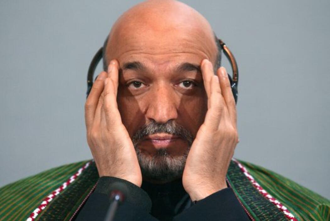 Hamid Karzai Hamid Karzai rompió a llorar en Kabul al hablar de su hijo,...