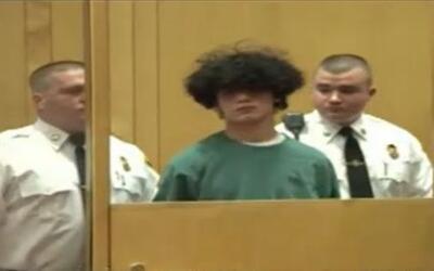Hallan a joven de 16 años decapitado a orillas de un río en Massachusetts