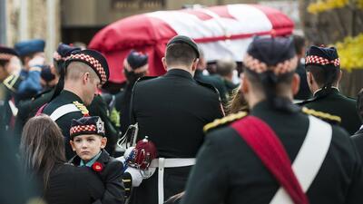 Canadá despide al soldado asesinado en Ottawa