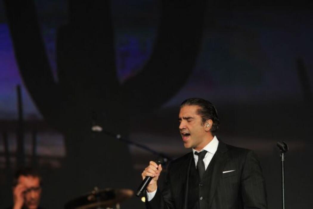 Alejandro Fernández también estuvo presente durante el homenaje.