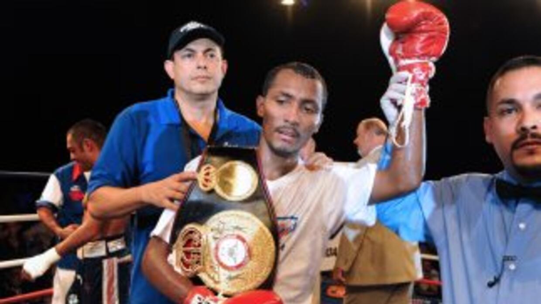 Anselmo Moreno pelearía en México.