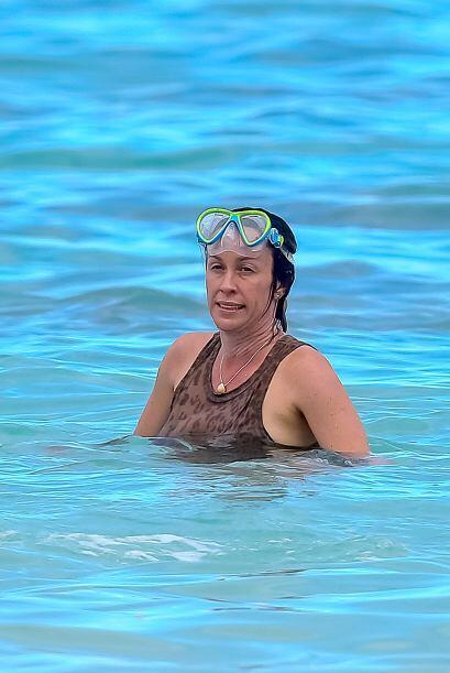 Aunque al parecer el agua de mar le irritó un poco los ojos, no entendem...
