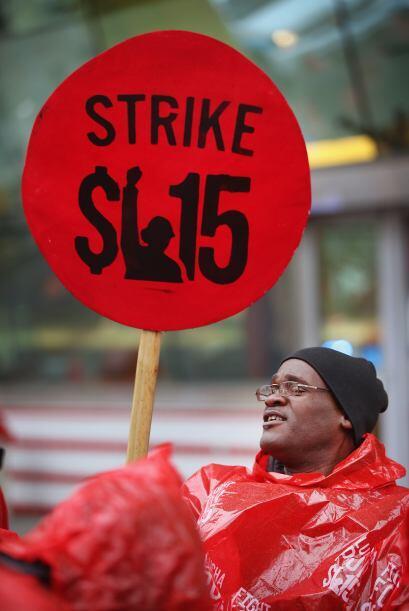 Su intención es que la paga llegue a los 15 dólares por hora.