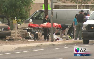 Autoridades investigan choque de un carro contra vivienda, los ocupantes...
