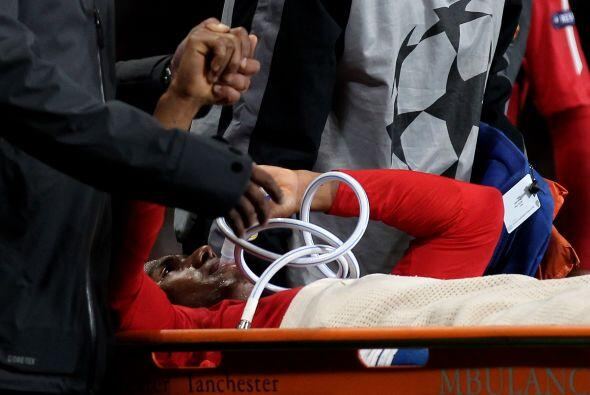 Recibió atención médica y todo indica que sufrió una fractura en el tobi...