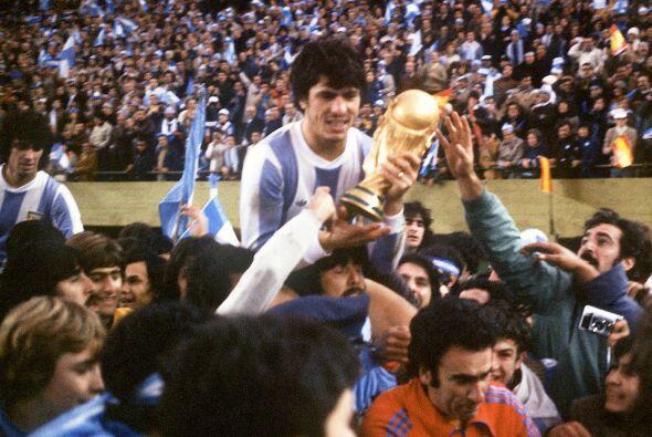 Daniel Passarella es considerado por la FIFA como uno de los mejores def...