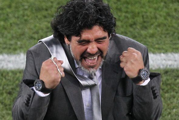 Diego Maradona se dio el gusto de ser el DT de Argentina. Con sus gestos...