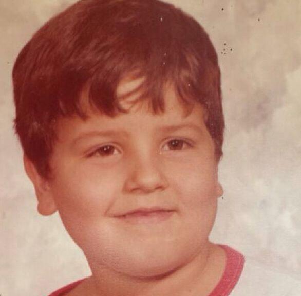 """""""¡Wow! Cortesía de mi prima Vanessa. Año 1976. Primera foto para mis cas..."""