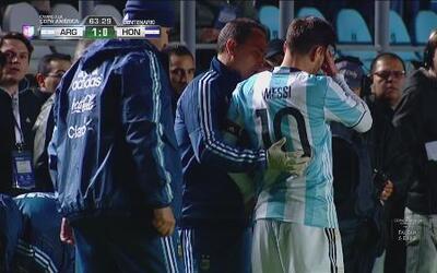 Messi sufre un fuerte golpe en amistoso ante Honduras y enciende alarmas...