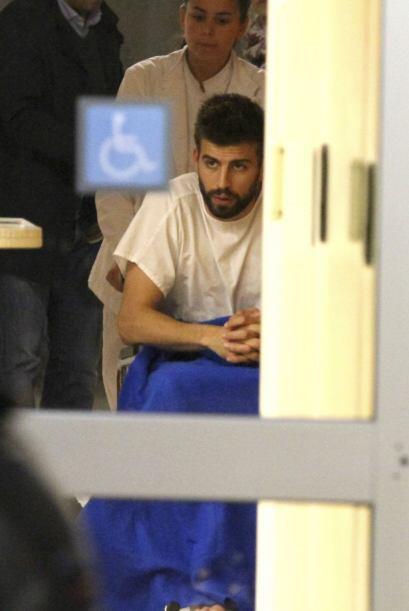 Tras salir del campo de juego Gerard fue trasladado al hospital. M&aacut...