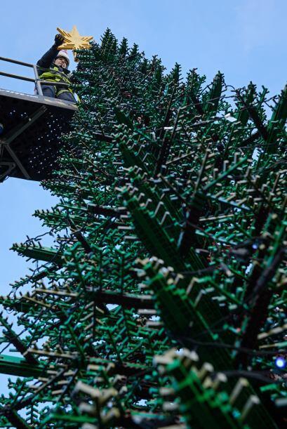 Aunque parezca increíble este árbol de Legoland Windsor, no es el más gr...