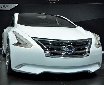 Lounge en cuatro ruedasEl Nissan Ellure Concept es la reinterpretación d...