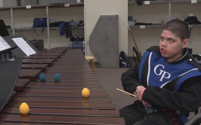Johnny Romero muestra que la discapacidad no es un impedimento para cump...