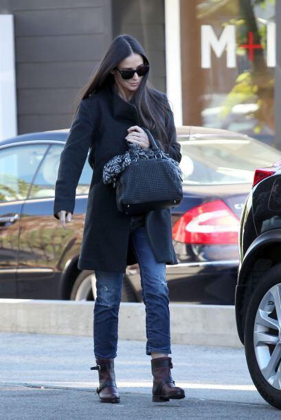 Demi Moore salió a hacer compras navideñas de último momento. ¿Estará mo...
