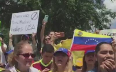 Venezolanos en Houston se manifestaron de manera pacífica por la crisis...