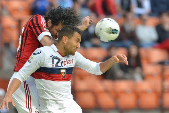 Mientras tanto, el Milan disputaba el duelo ante el Genoa en el Giuseppe...