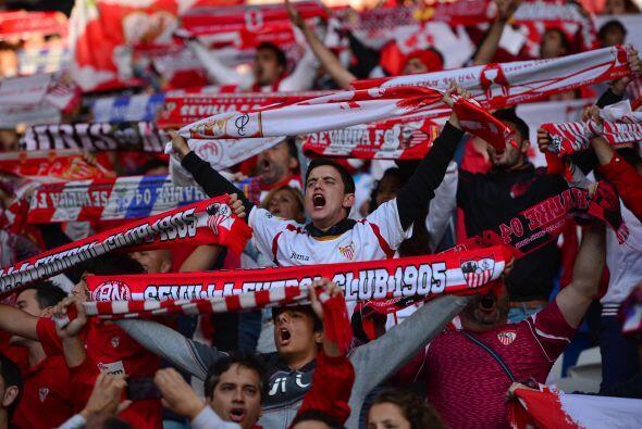 Los aficionados del Sevilla sabían que la tarea sería muy...