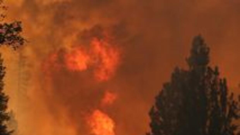 Se contuvo fuego en Yosemite