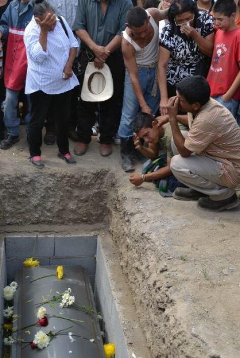 Los últimos cuerpos rescatados fueron velados solamente dos horasy  de i...