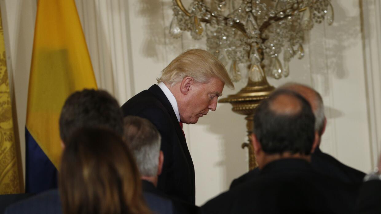 Donald Trump este jueves en la Casa Blanca tras una rueda de prensa con...