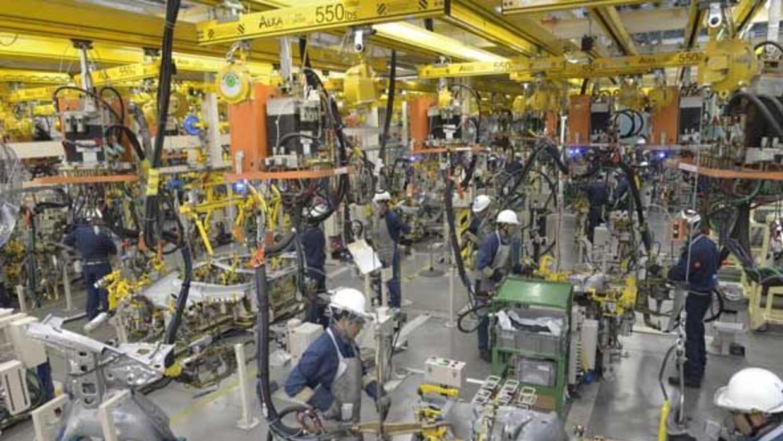 Se espera que en 5 años la producción de autos en México aumente a 5 mil...