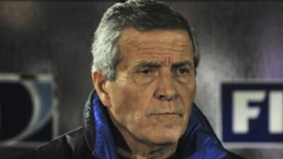 """""""scar Tabárez desconoce cuando podrá jugar el delantero Luis Suárez."""