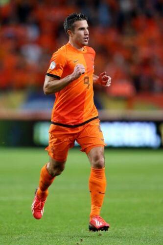 Robin Van Persie:El artillero holandés es la figura de su equipo por sus...