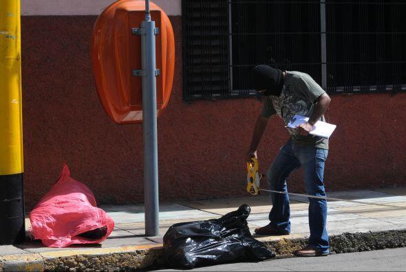 Las autoridades encontraron los cuerpos sin vida de dos personas quienes...