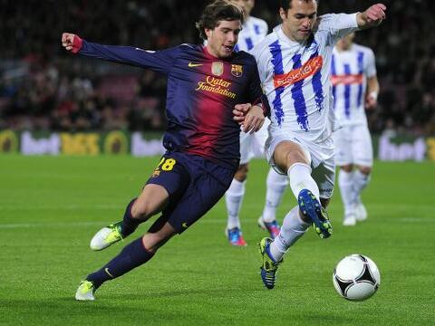 Un equipo con varias caras poco comunes mostró el Barcelona en el...
