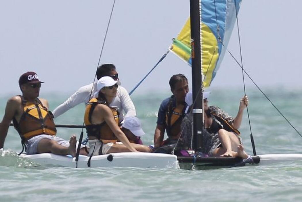 Jessica Alba se dio unas merecidísimas vacaciones para relajarse en play...