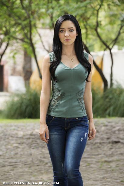 Su hija es interpretada por Ariadne Díaz. Ella es muy atractiva y...