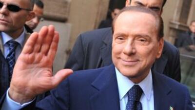 Berlusconi enfrenta otros dos juicios en los que es acusado de abuso de...