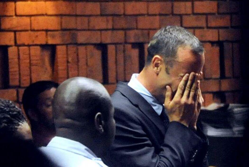La juez sudafricana Thokozile Masipa condenó al deportista a cinco años...