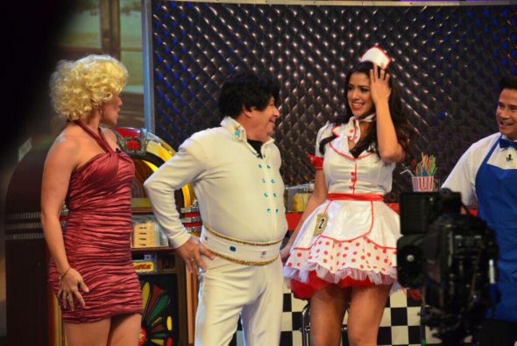 Elvis, mejor conocido como El-bis-co-cho, llegó al restaurante donde ati...