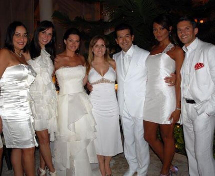 La otra familiaLos esposos se conocieron e iniciaron su relación cuando...
