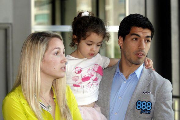 En 2009 se casó en Holanda con su novia desde la adolescencia, Sofía, y...