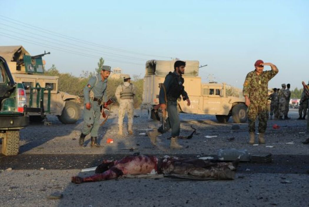 Se informó que ocho personas perdieron la vida en el ataque, cinco forma...