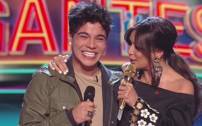 El mensaje especial que hizo llorar a Sebastián Villalobos en el escenar...