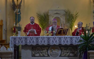 Un minuto a tu lado: ¿Cómo es entendida la figura del sacerdote actualme...