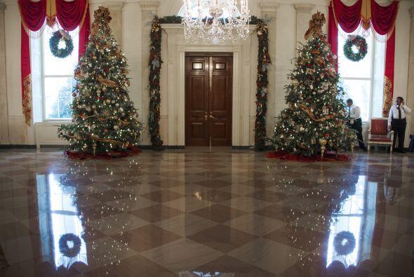 Durante la inauguración de la decoración navideña de la casa presidencia...