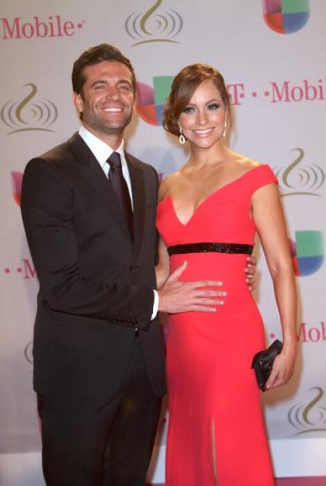 El 20 de febrero la vimos junto a su esposo Aaron, luciendo esa hermosa...