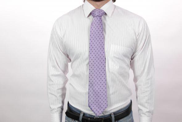 El nudo Windsor es uno de los clásicos nudos para corbata.