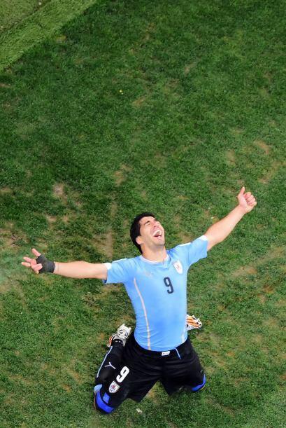 Cuando se materializó el traspaso, Suárez recibió l...