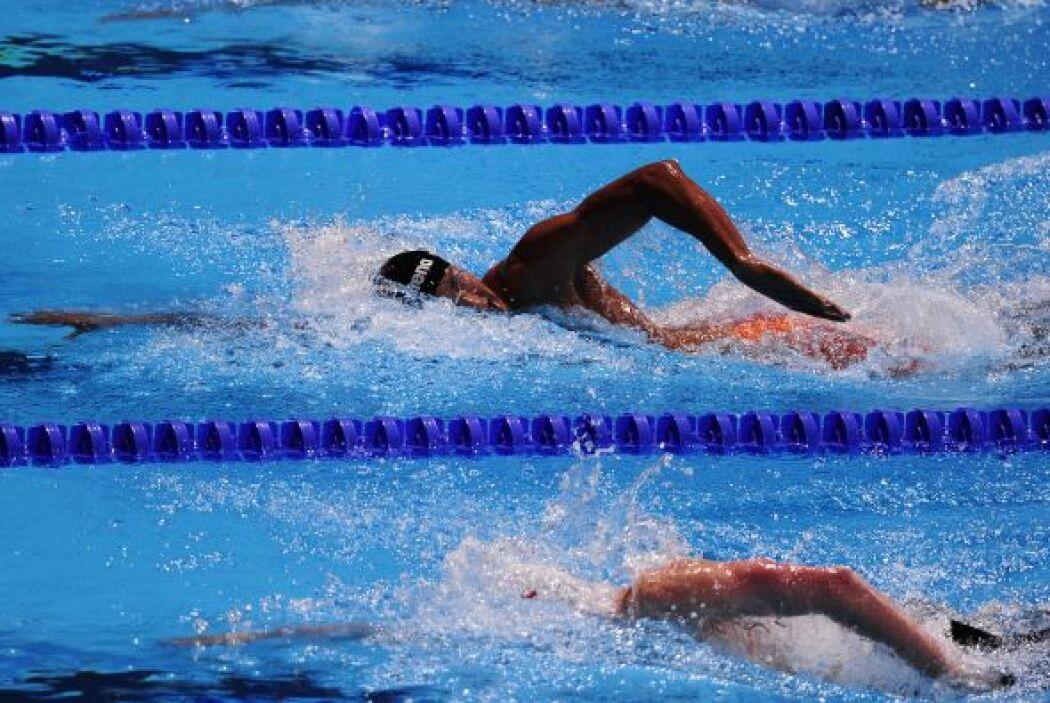 Y el canadiense Ryan Cochrane el bronce con 7.43.70.
