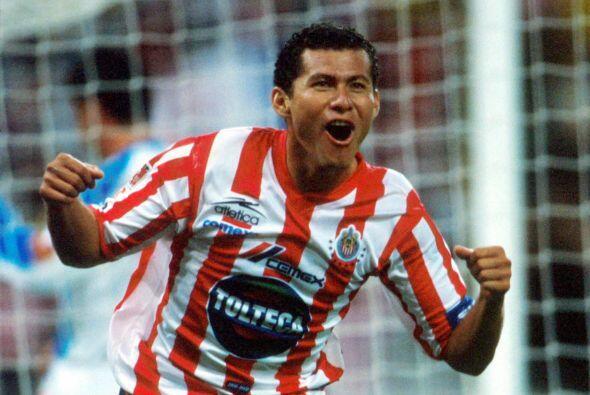 Miguel Sabah, un delantero que surgió con las Chivas y que tras b...