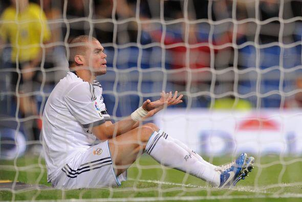 La defensa del Madrid cometió un concierto de errores luego de un cobro...