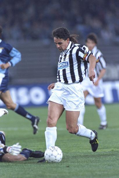 Considerado mejor futbolista europeo en 1993, Roberto Baggio no se consa...