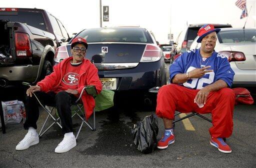 Gran duelo de Domingo por la Noche entre los San Francisco 49ers y los N...