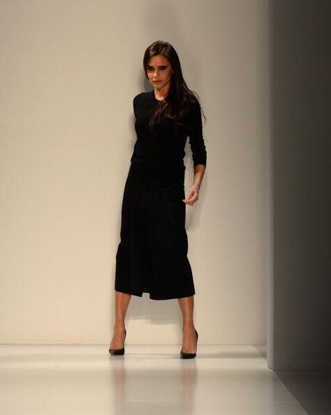 Por obvias razones, la sexy Victoria Beckham no podía faltar en este eve...