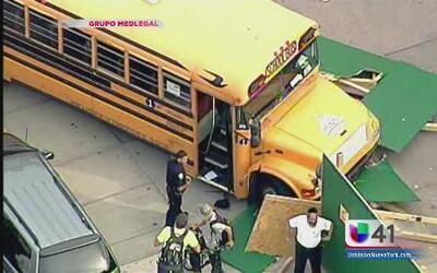 Choque de bus escolar en Brooklyn